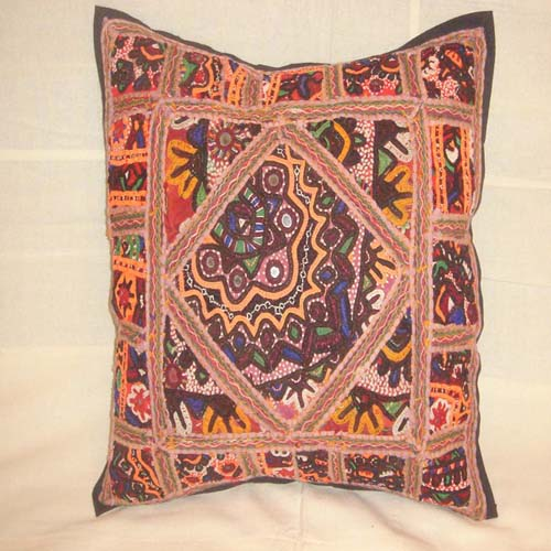 EMBROIEDERED CUSHION