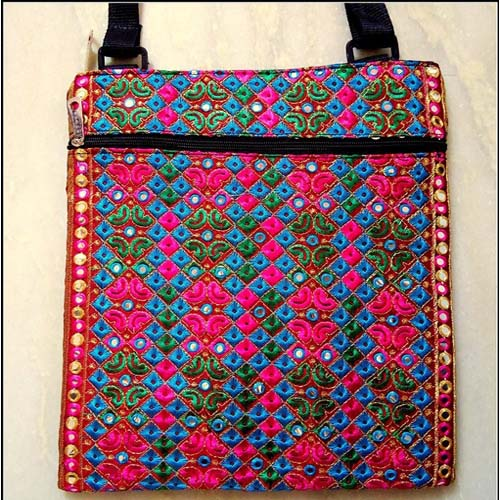 EMBROIDERED HAND BAG